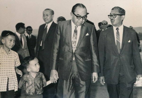 Stock Photo Timbalan Perdana Menteri Tun Abdul Razak Hussein Dan Rombongan Berangkat Ke London 120709