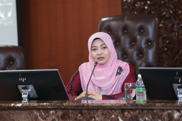 Msia Human Rights Commissioner Its Fine To Marry An 11 Year Old Girl World Of Buzz E1530500910356