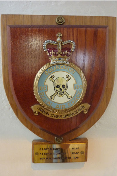 100 Squadron Memorial Plaque
