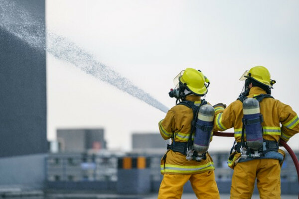 Firefighter Fireman Team Work Water Spray By High Pressure Nozzle Fire 46370 2812