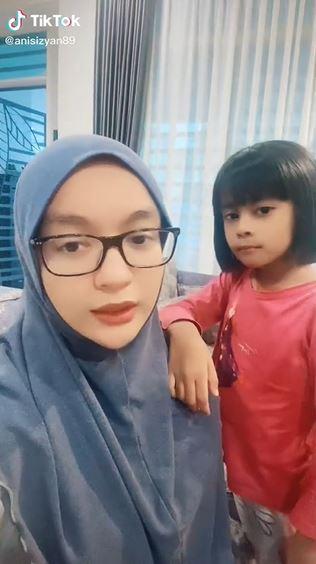 Mum Daughter