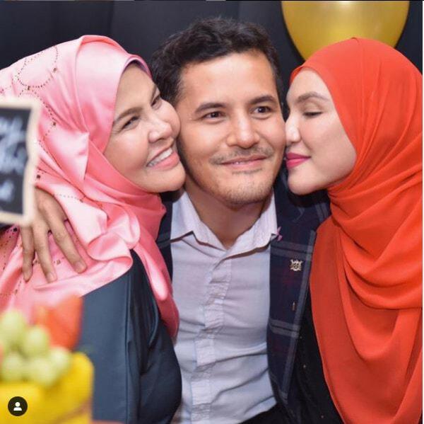 Aliff Syukri Wife Dan Emak