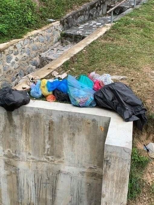 Sungai Penuh Sampah Sarap 4